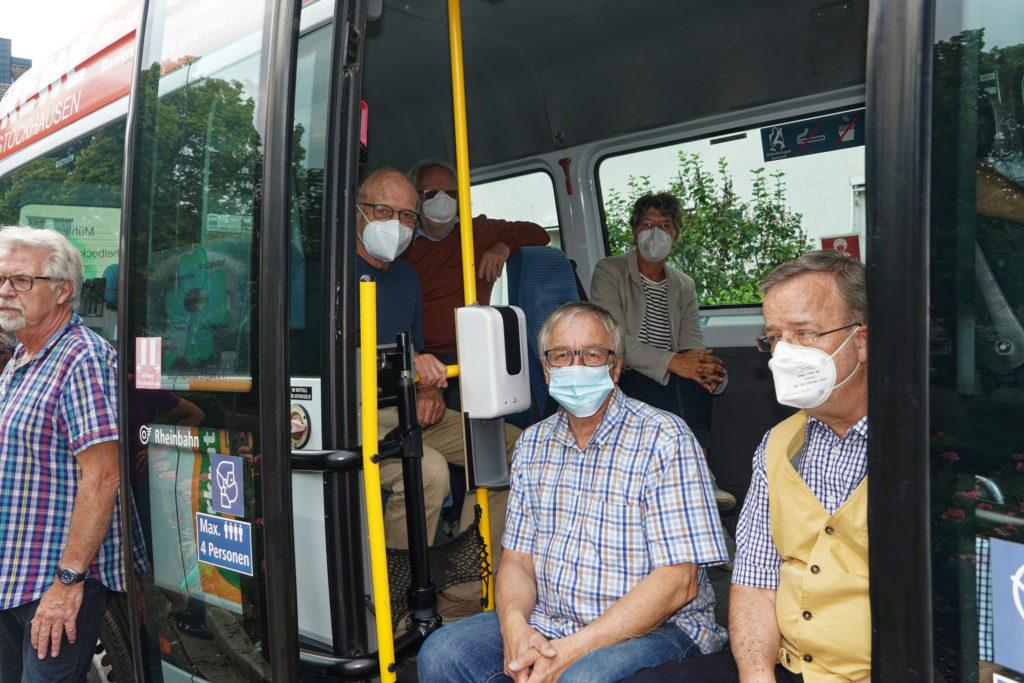 Der Erkrather Bürgerbus wird geentert